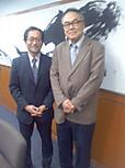 著名な政治アナリストである伊藤惇夫氏と私。